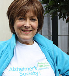 Lynda-Bellingham-Receives-OBE