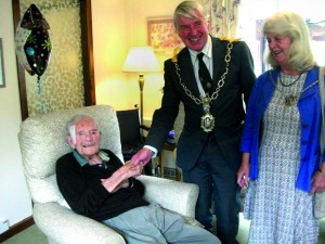 (L-R) Bill March celebrates his 105th Birthday with the Mayor of Dorchester, Councillor Robin Potter and his wife Val Potter
