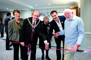 L-R CllrChristineWilloughby, Cllr Andrew Willoughby, Rosemary Bellamy, Ian Watson, Dr David Bellamy OBE [KMC-1]