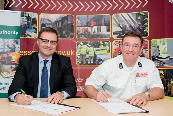 Signing of fire safety agreement Andrew and Adam low res