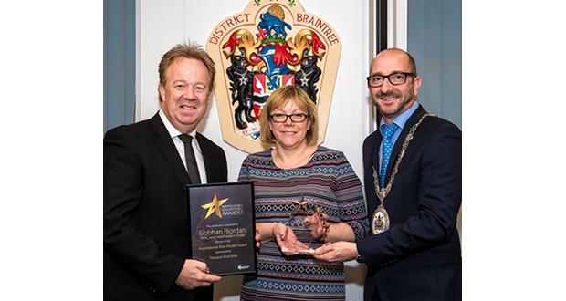 Yvette gets Siobhans award