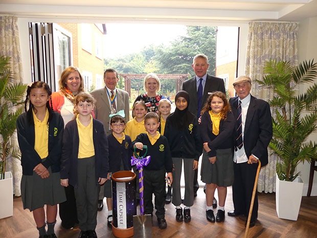 Pupils from Kinson Primary School with Sue HarveyThe Deputy Mayor of Bournemouth Cllr Eddie Coope Nikki Toomer Ian MacDonald and Ron
