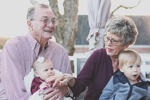 grandparents 1969824 640