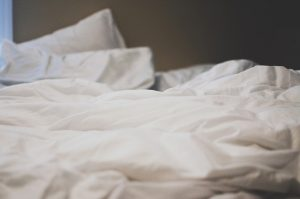bed-2607154_640