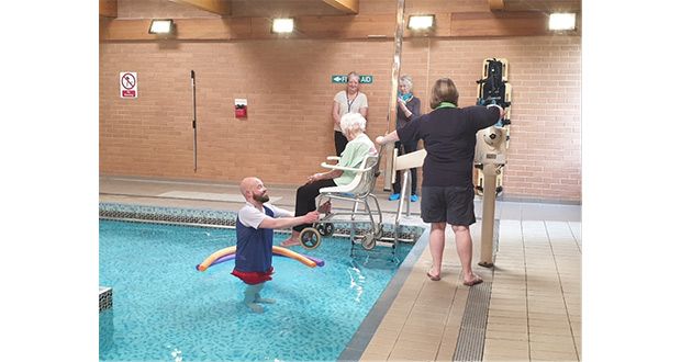 103 year old rediscovers her love for swimming - St mary s school bexhill swimming pool ...
