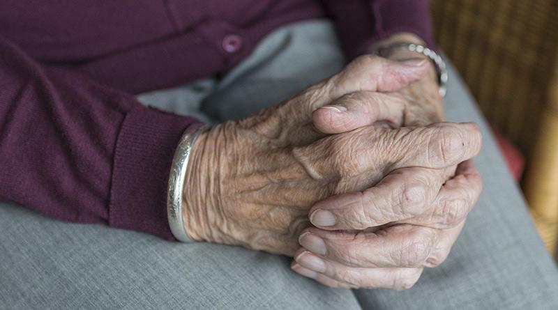 hand 2906456 1920